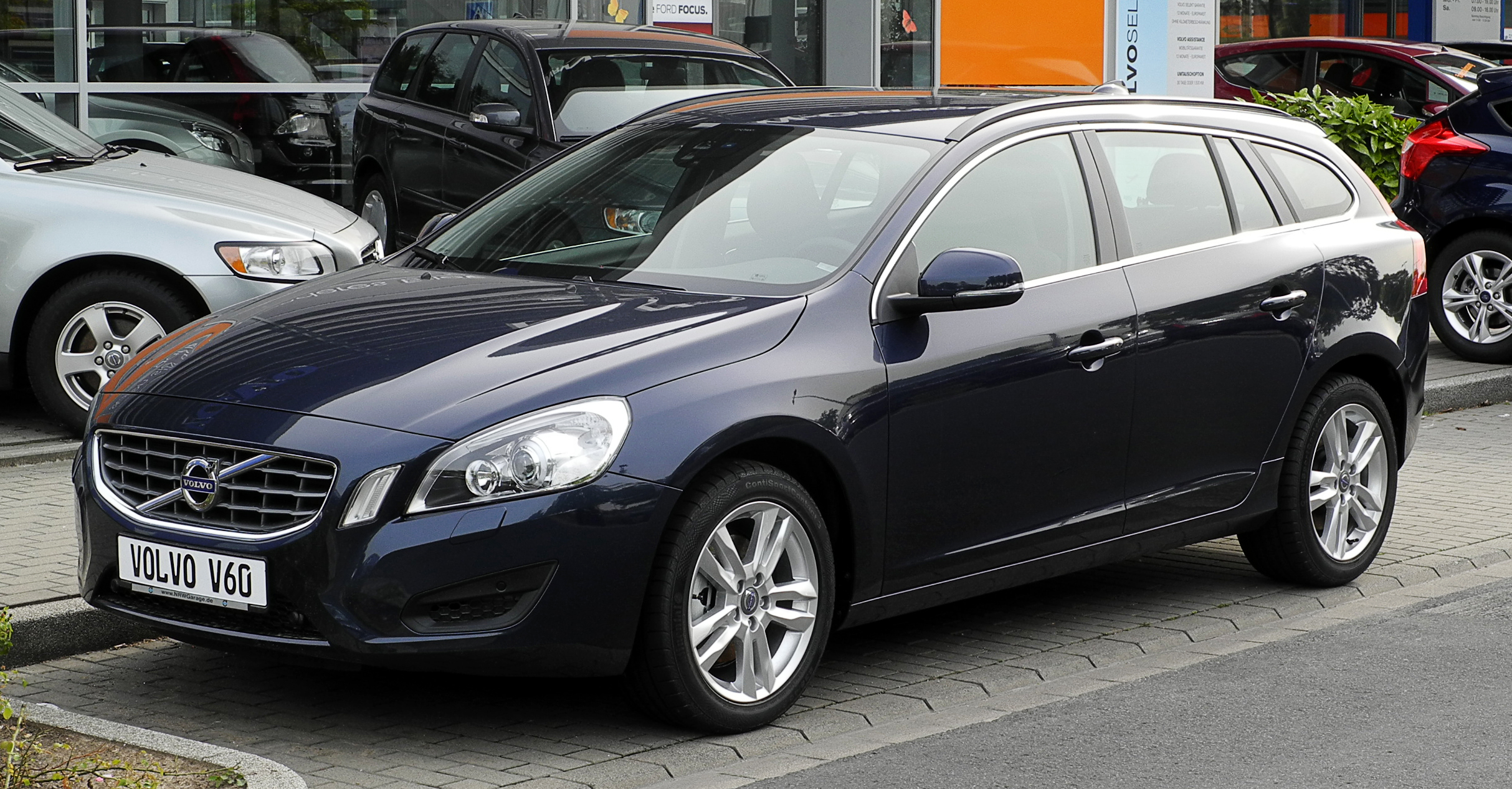 Pictures of volvo v60