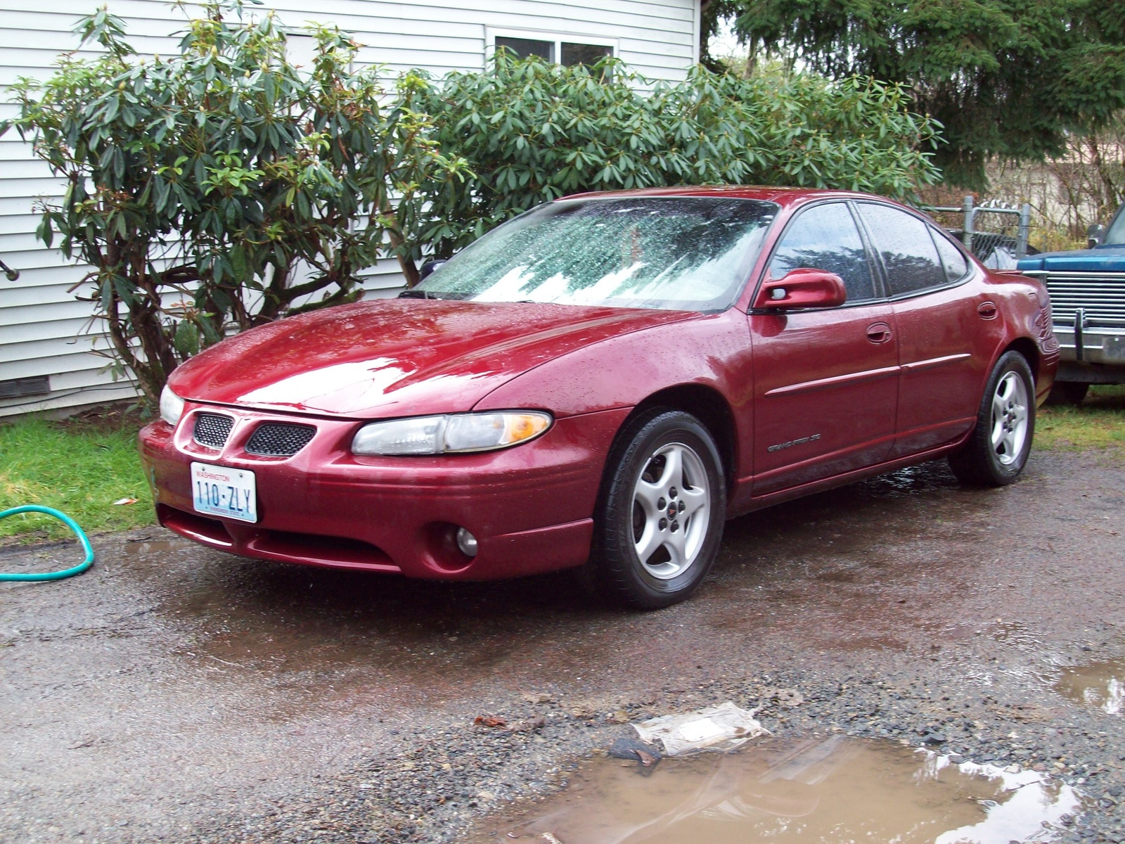 pontiac grand prix coupe w 2002 pics auto. Black Bedroom Furniture Sets. Home Design Ideas