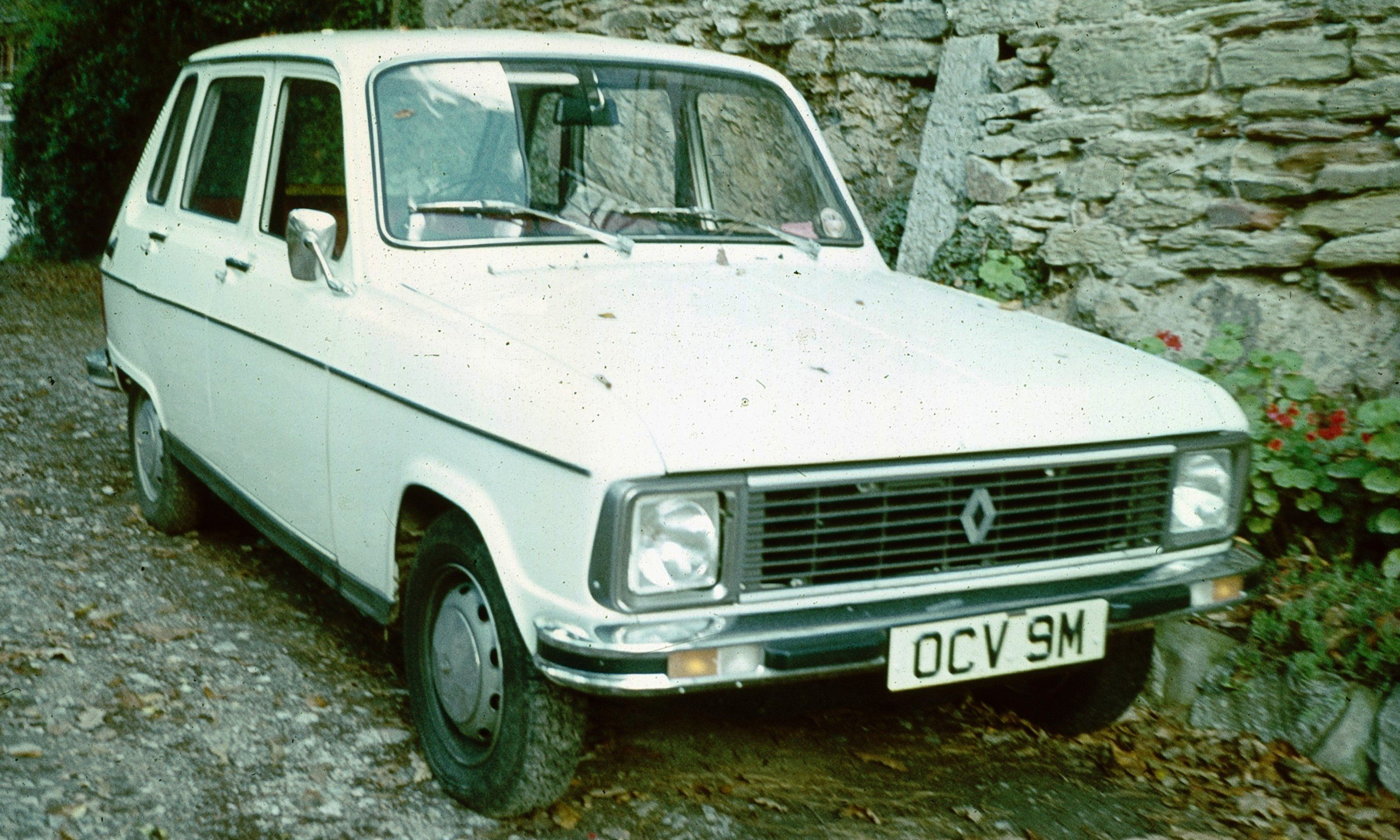 http://auto-database.com/image/renault-6-pictures-6938.jpg