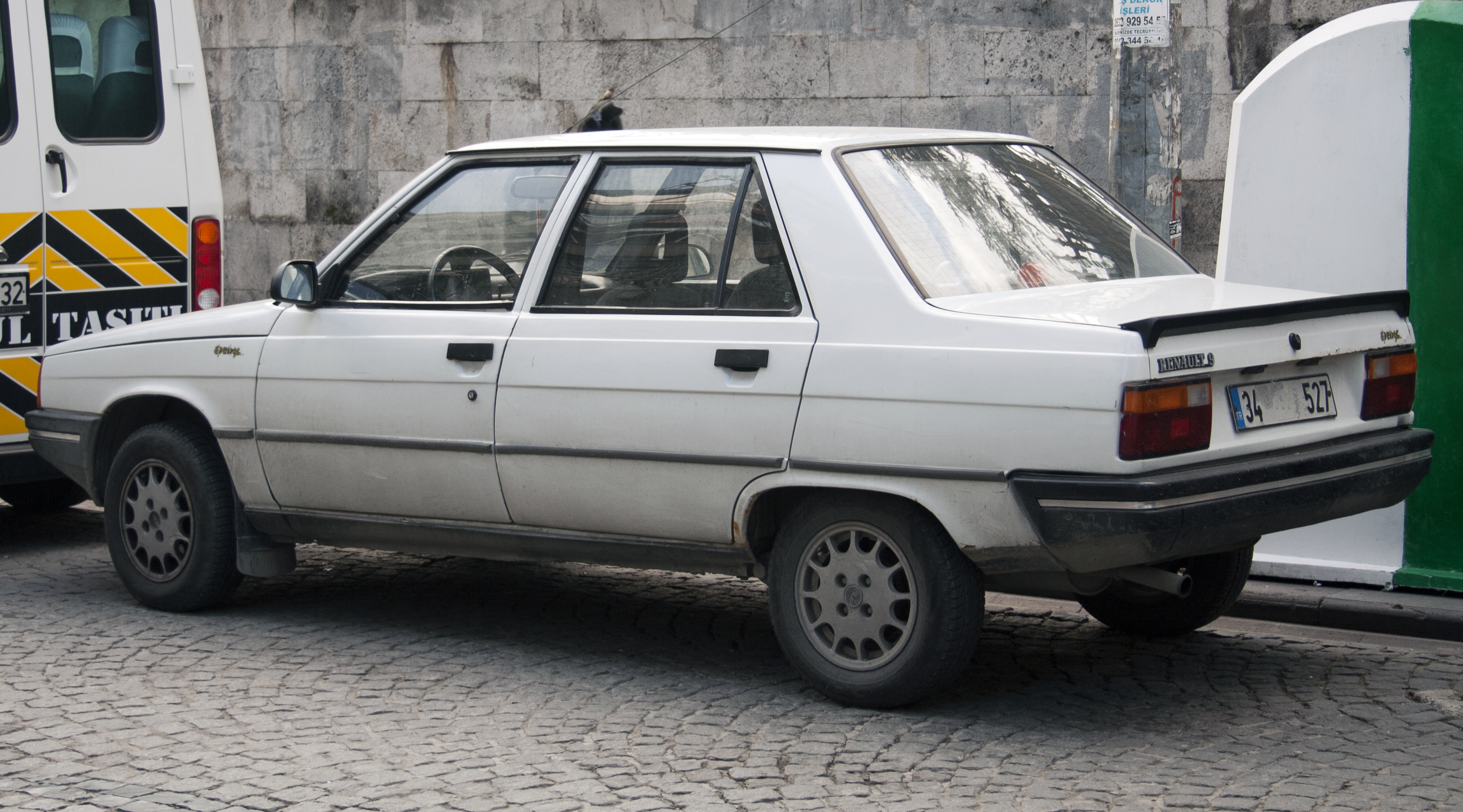 renault 9 pictures
