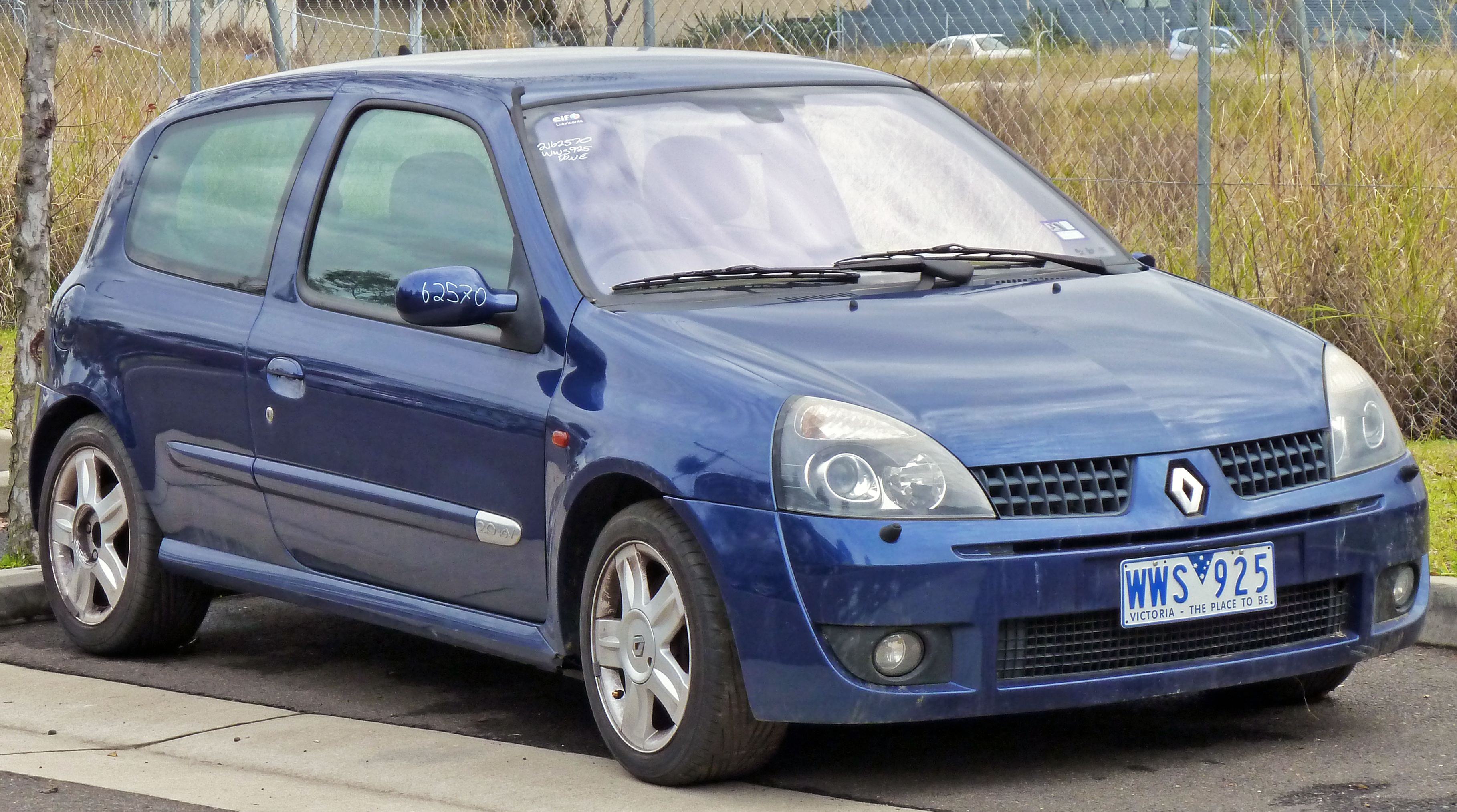 2004 renault clio ii sport pictures information and specs auto. Black Bedroom Furniture Sets. Home Design Ideas
