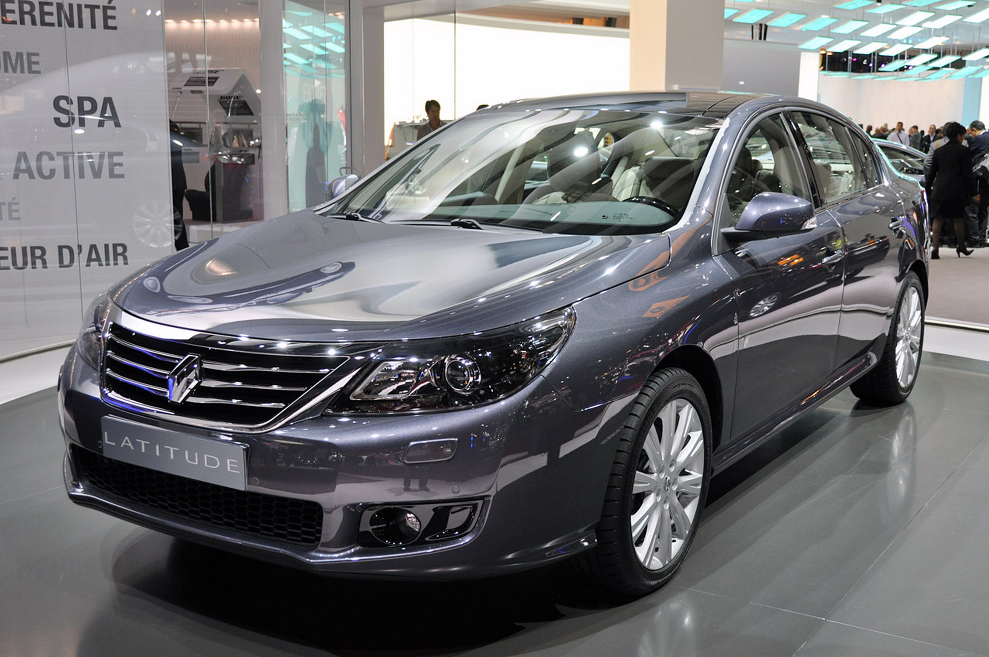 Renault Latitude   pictures, information and specs - Auto-Database.com