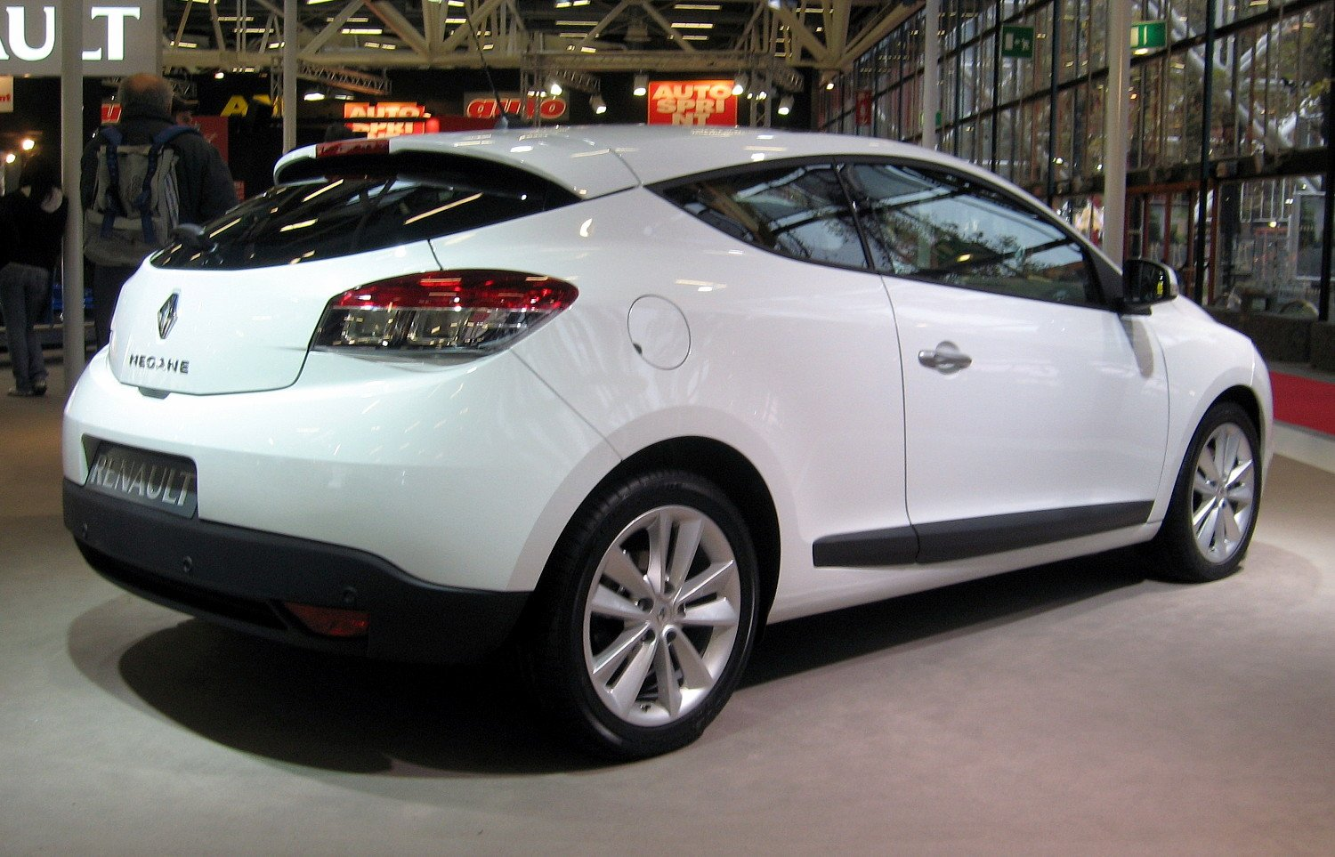 renault megane iii coupe 2009 wallpaper