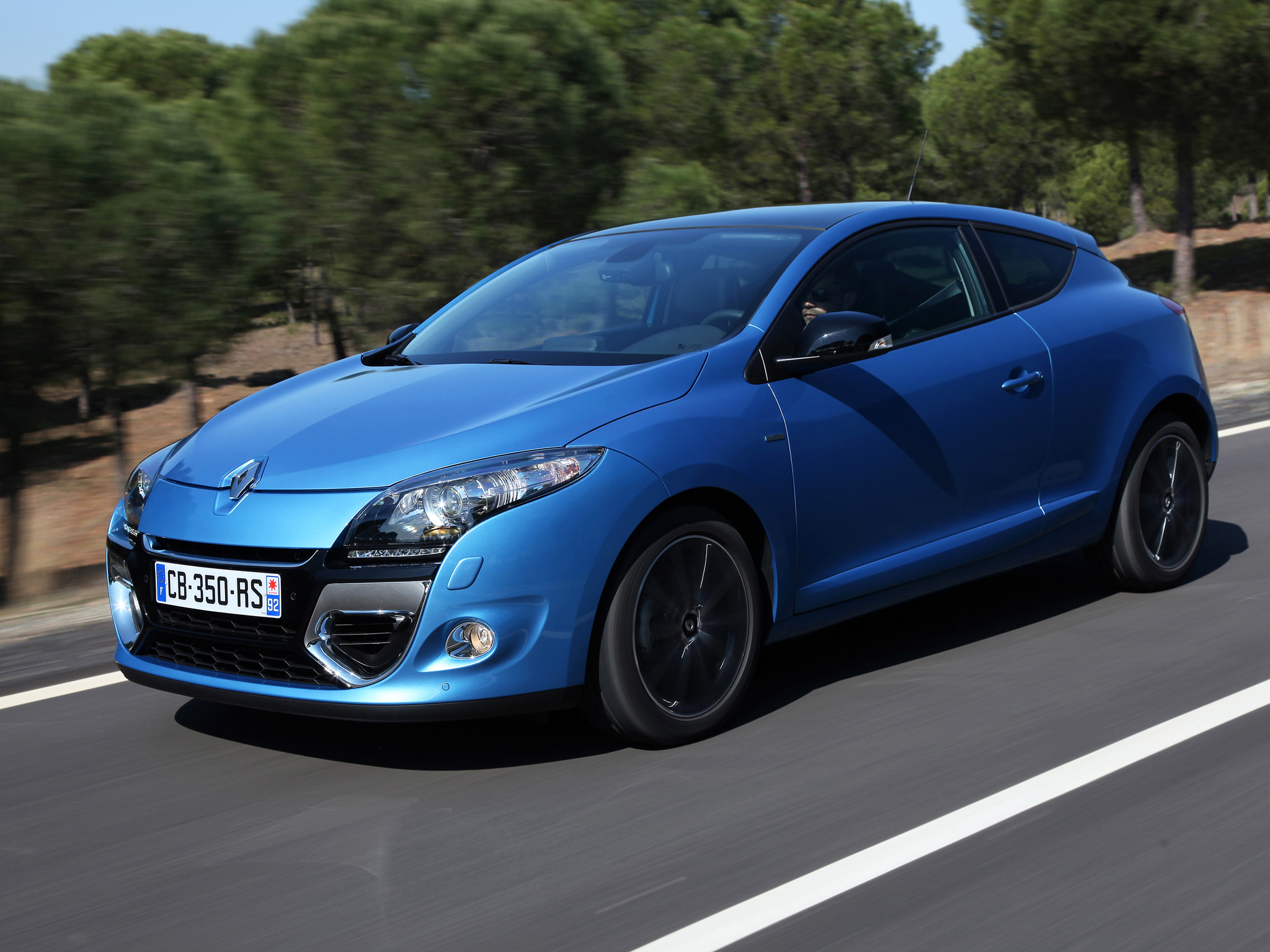 renault megane iii coupe 2013 wallpaper