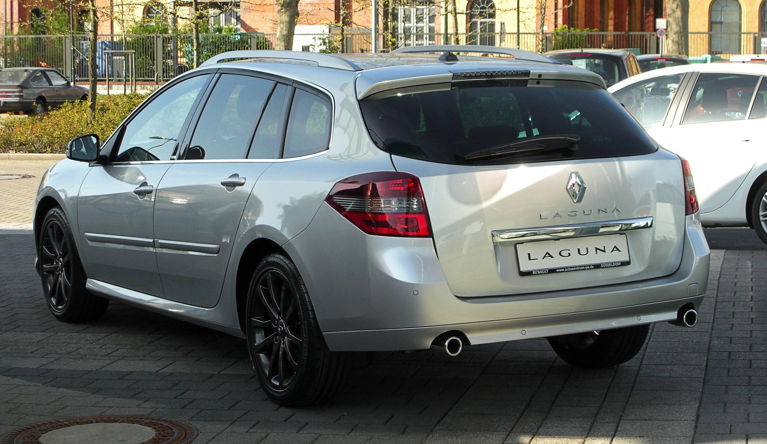 2011 renault megane iii estate pictures information and specs auto. Black Bedroom Furniture Sets. Home Design Ideas