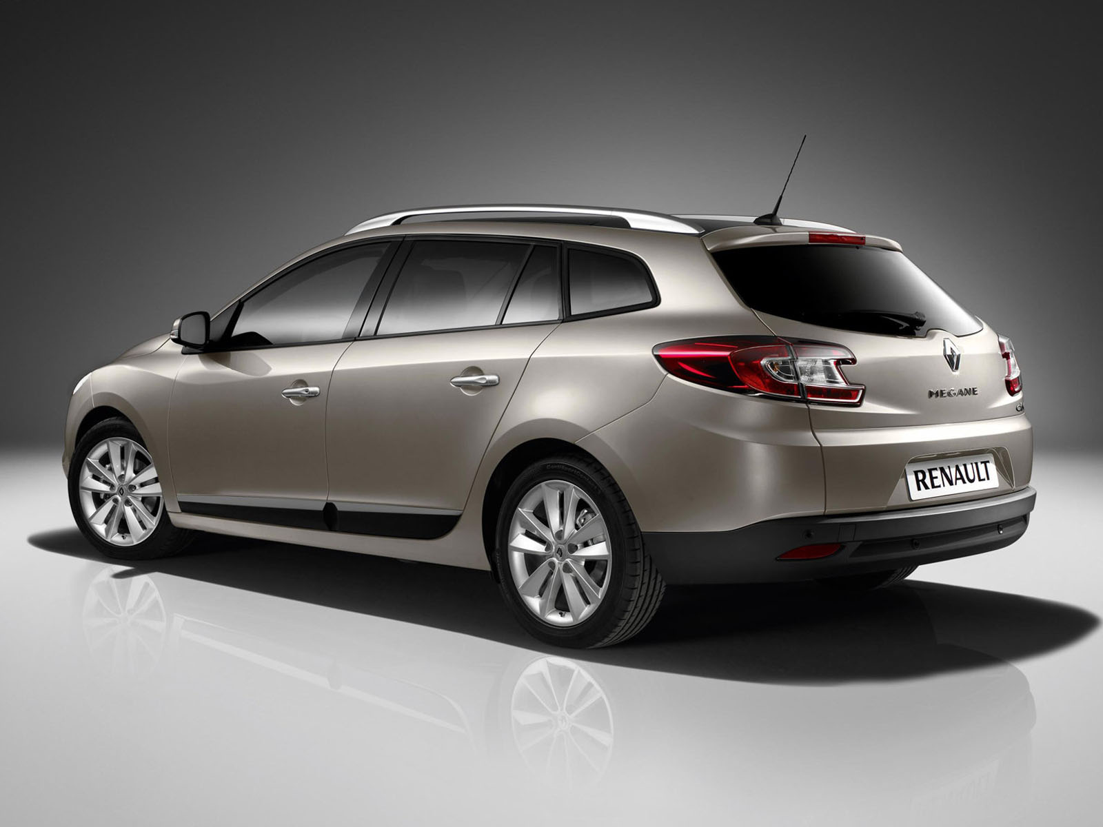 renault megane iii estate 2012 wallpaper