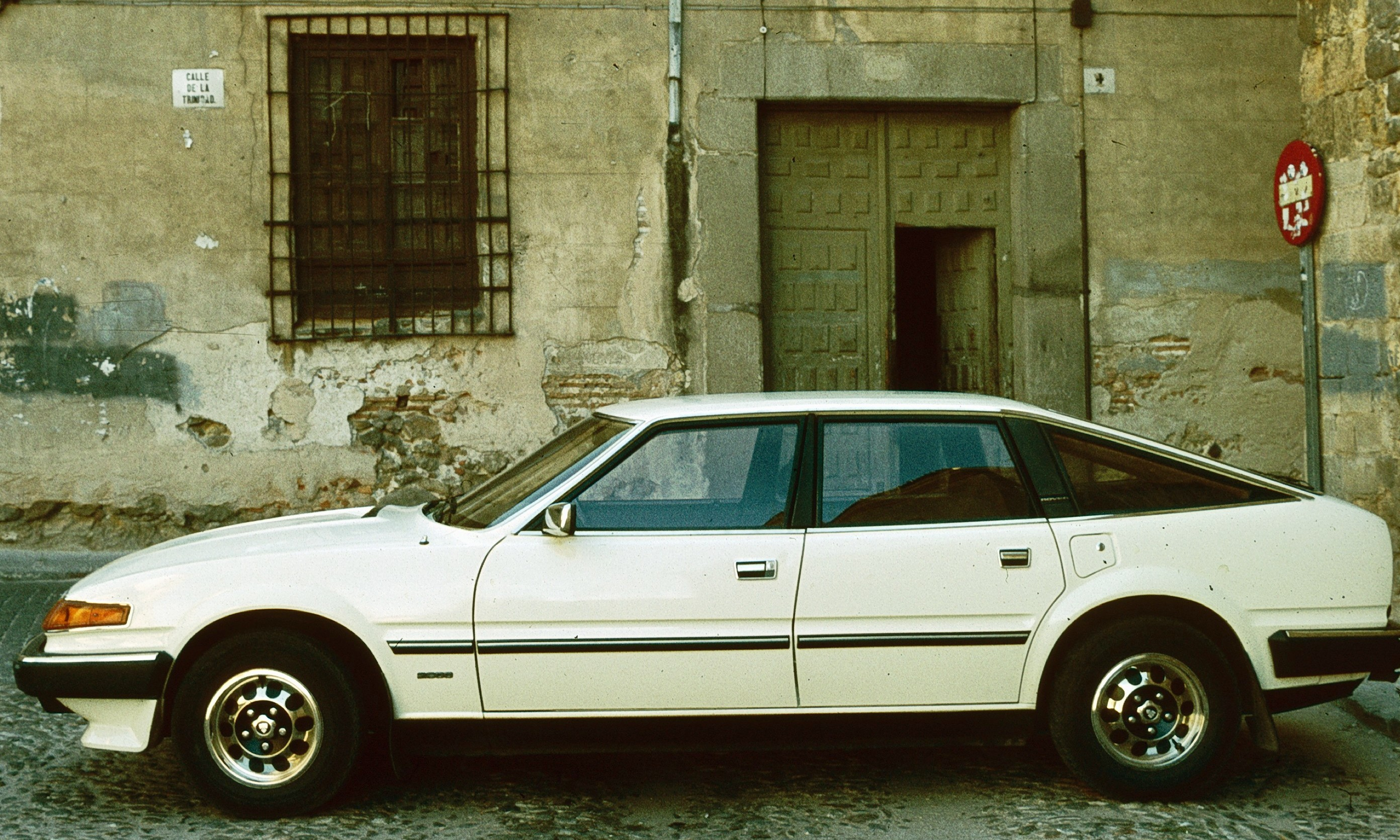 rover 2000-3500 hatchback pictures