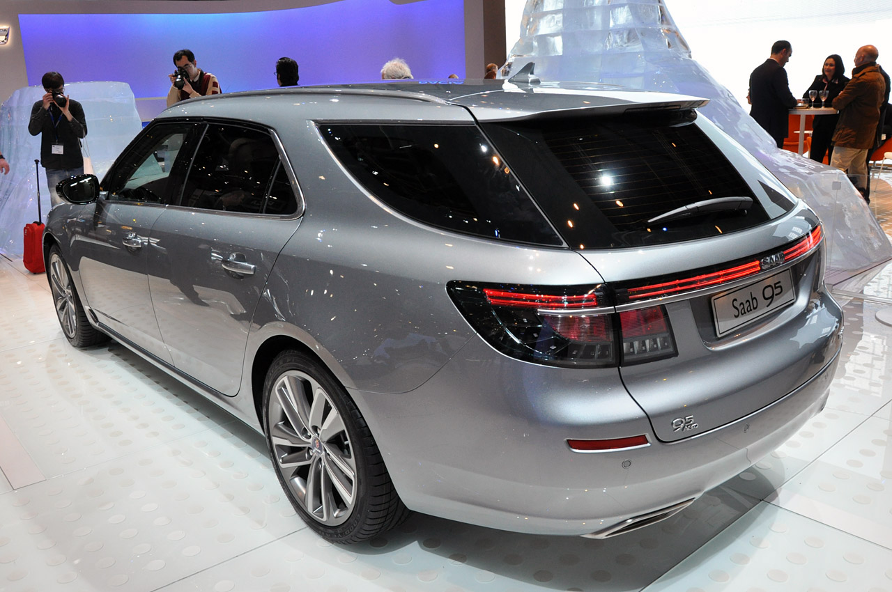 2016 Saab 9 5 Wagon Pictures Information And Specs
