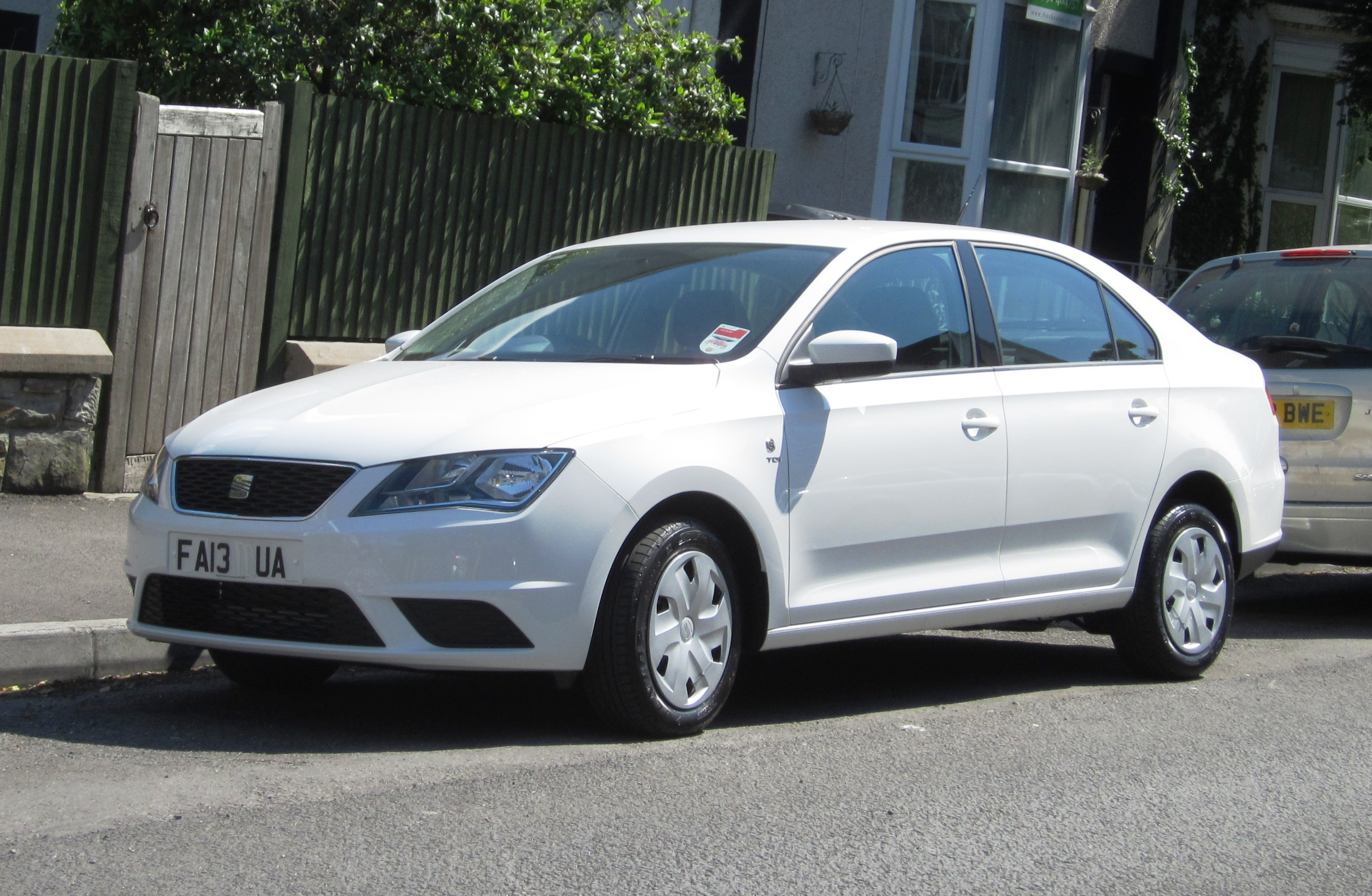 2005 seat toledo iii 5p pictures information and specs auto. Black Bedroom Furniture Sets. Home Design Ideas