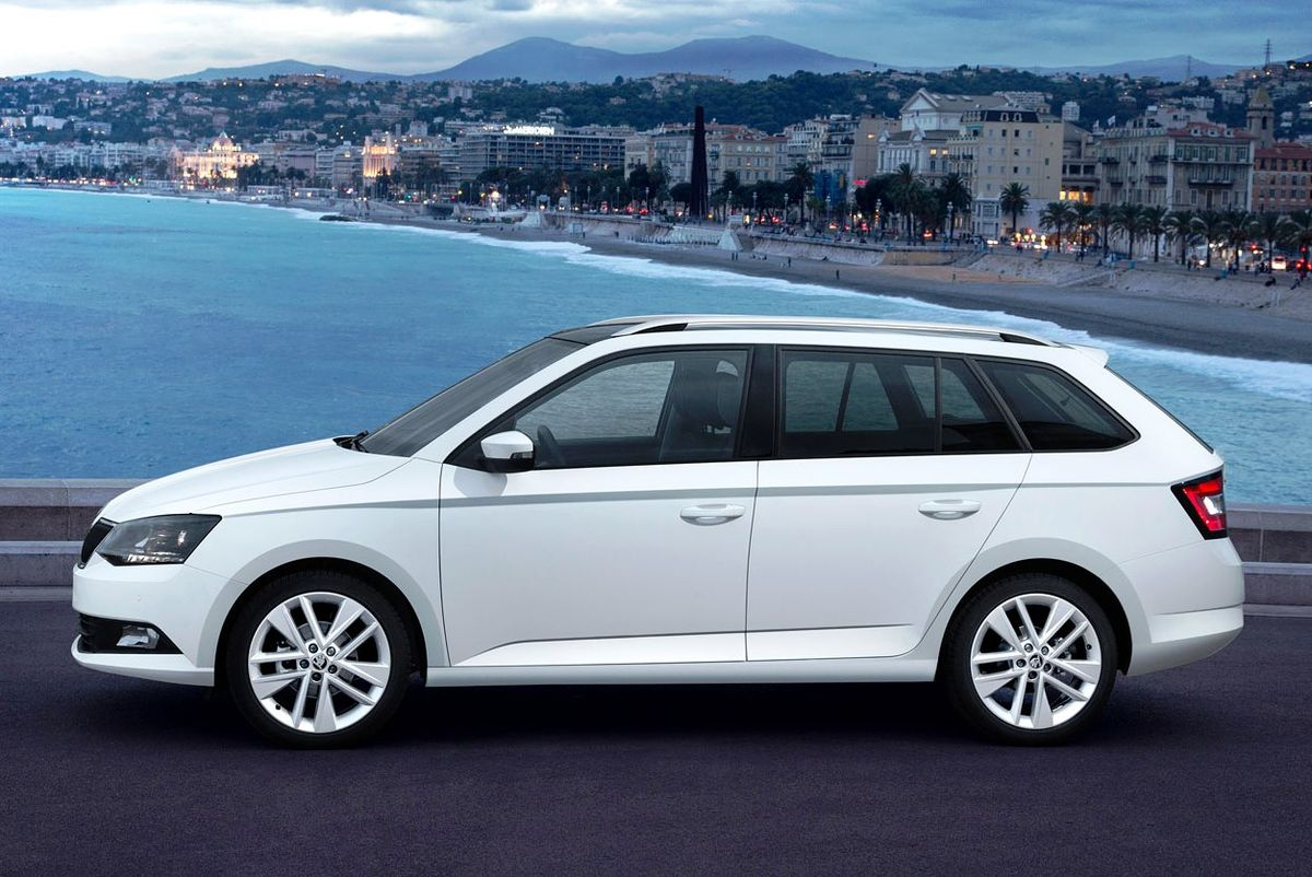 skoda fabia ii 2015 wallpaper