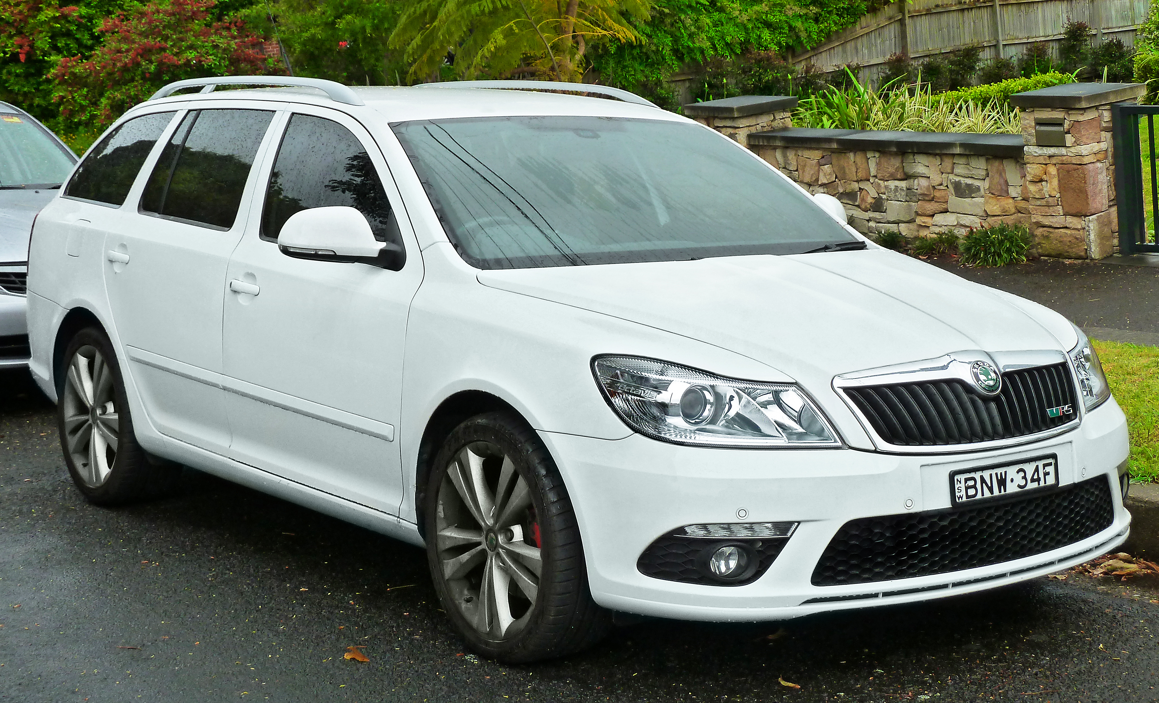 skoda fabia ii estate 2012 pictures