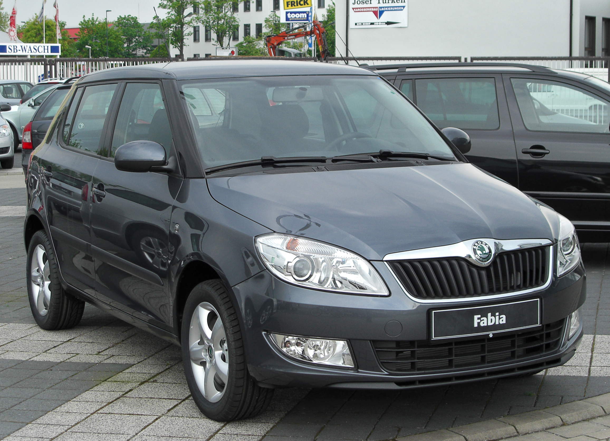 skoda fabia ii estate 2013 wallpaper