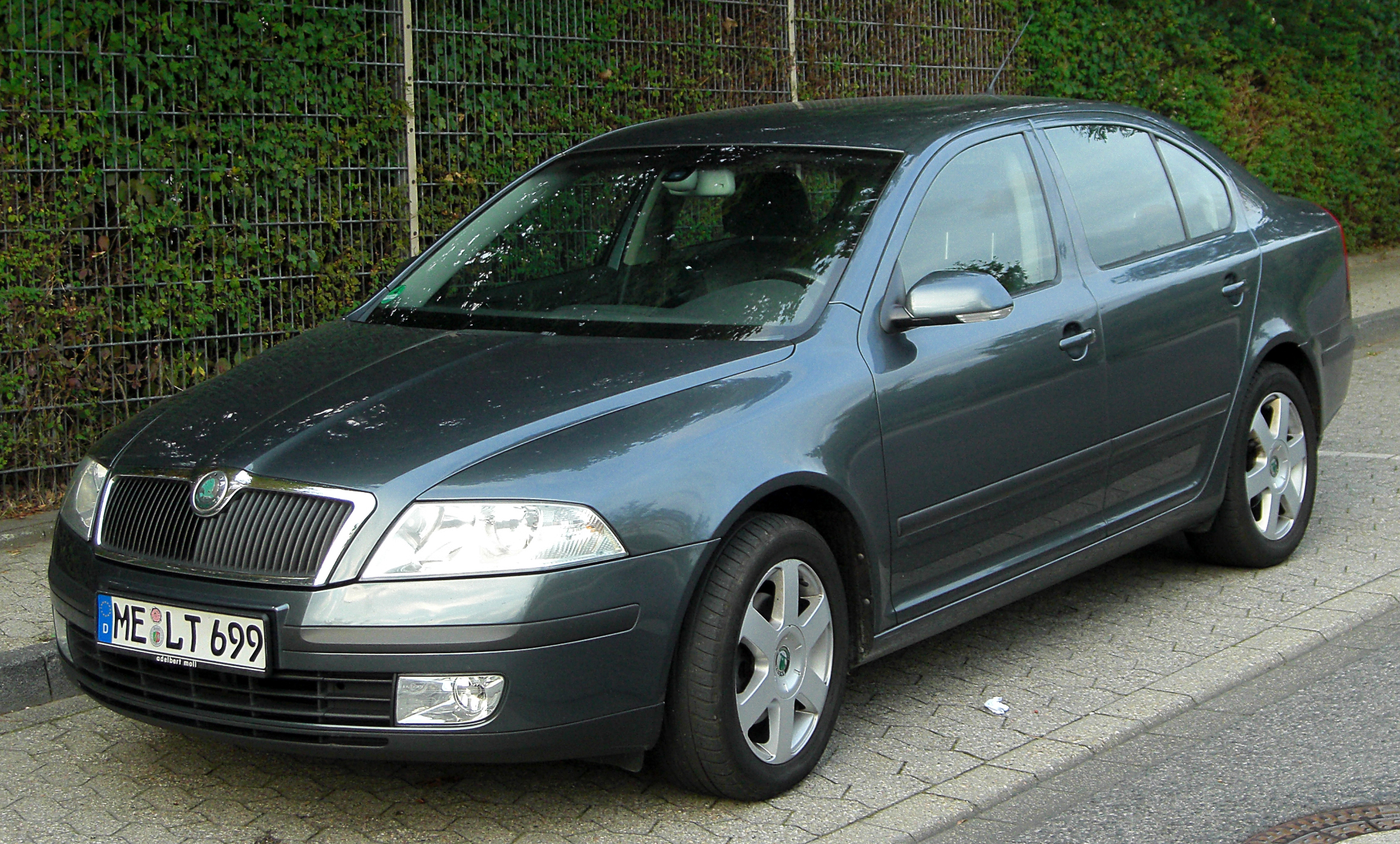 2010 skoda octavia tour ii pictures information and specs auto. Black Bedroom Furniture Sets. Home Design Ideas