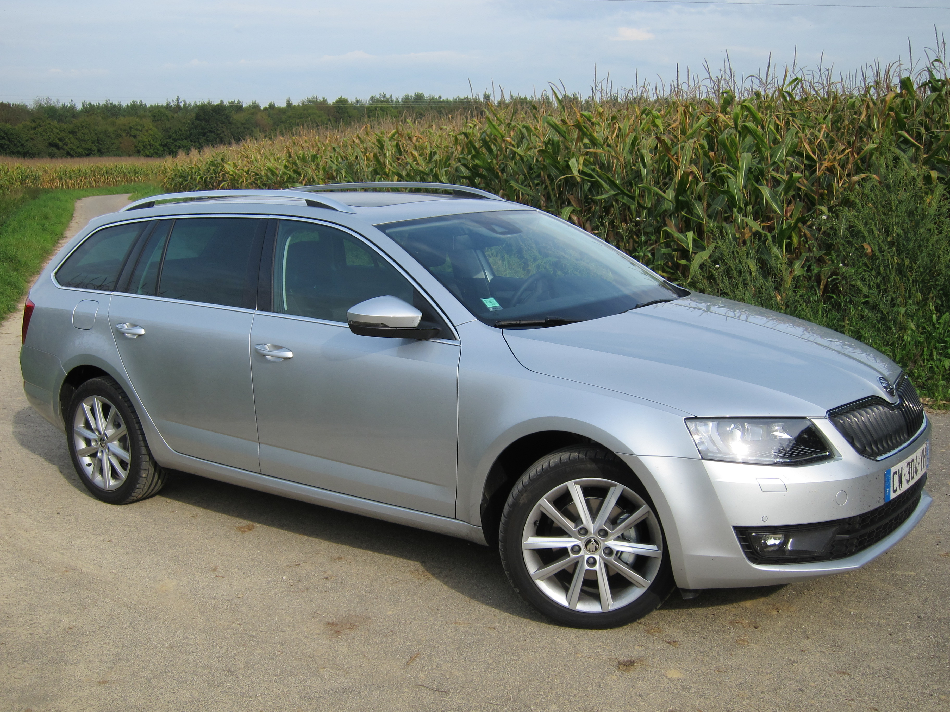 2015 skoda octavia tour iii pictures information and specs auto. Black Bedroom Furniture Sets. Home Design Ideas