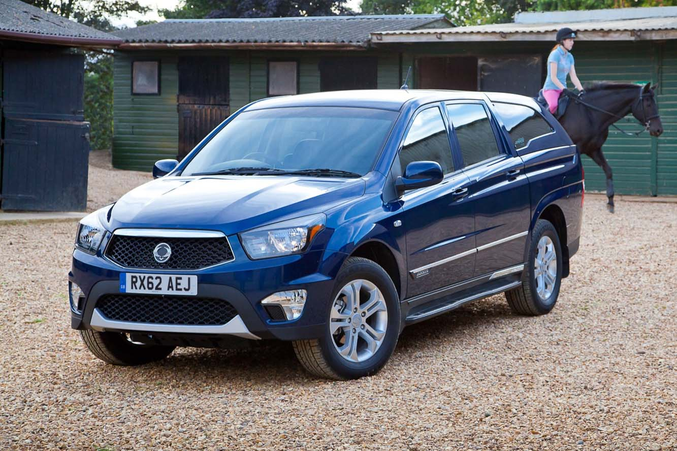 ssangyong actyon sports 2015 pics