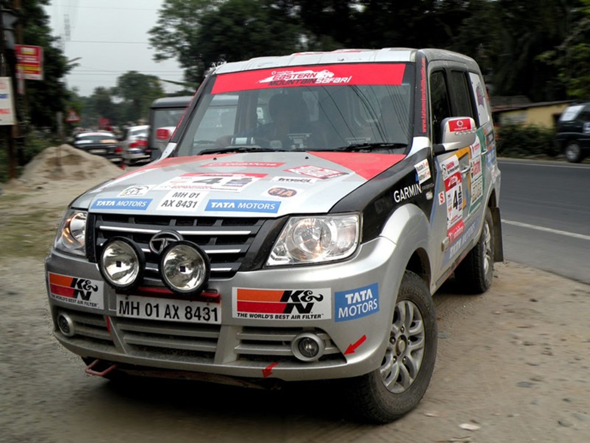 Tata sumo 2011 pictures auto for Eastern motors used car