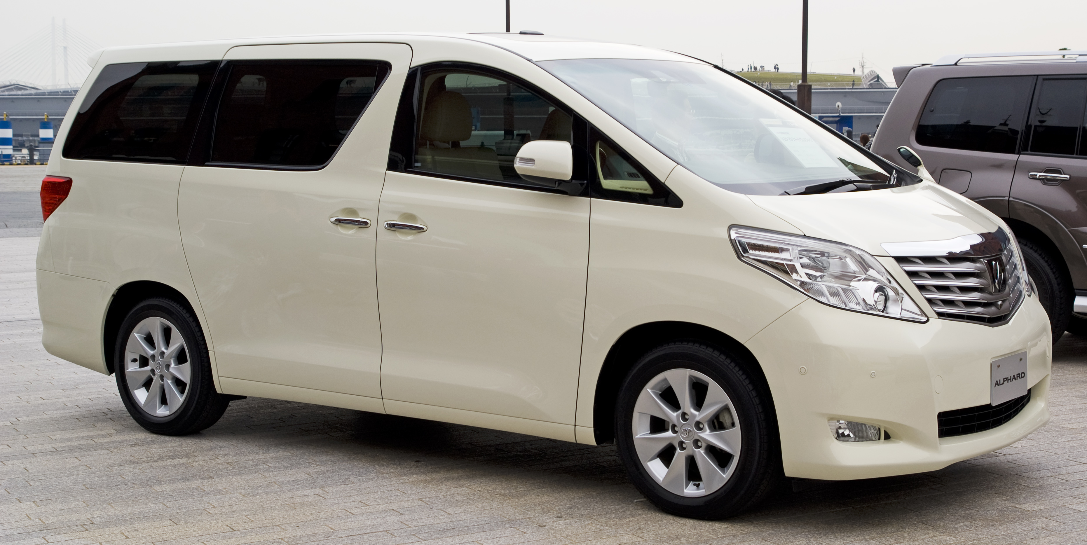 Toyota Alphard   pictures, information and specs - Auto-Database.com