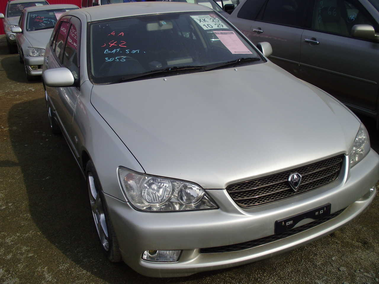 toyota altezza 2003 images