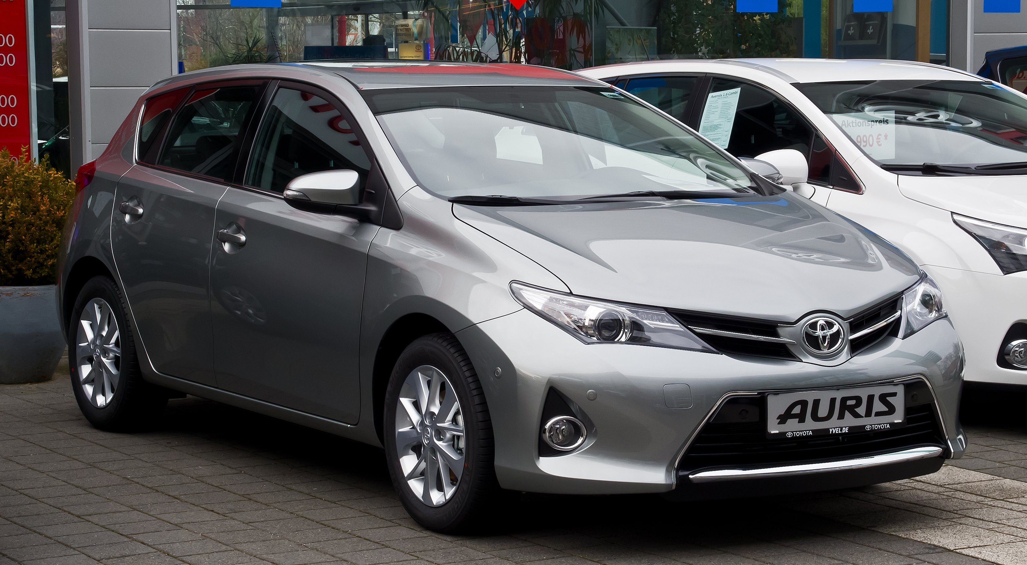 2012 toyota auris ii pictures information and specs auto. Black Bedroom Furniture Sets. Home Design Ideas