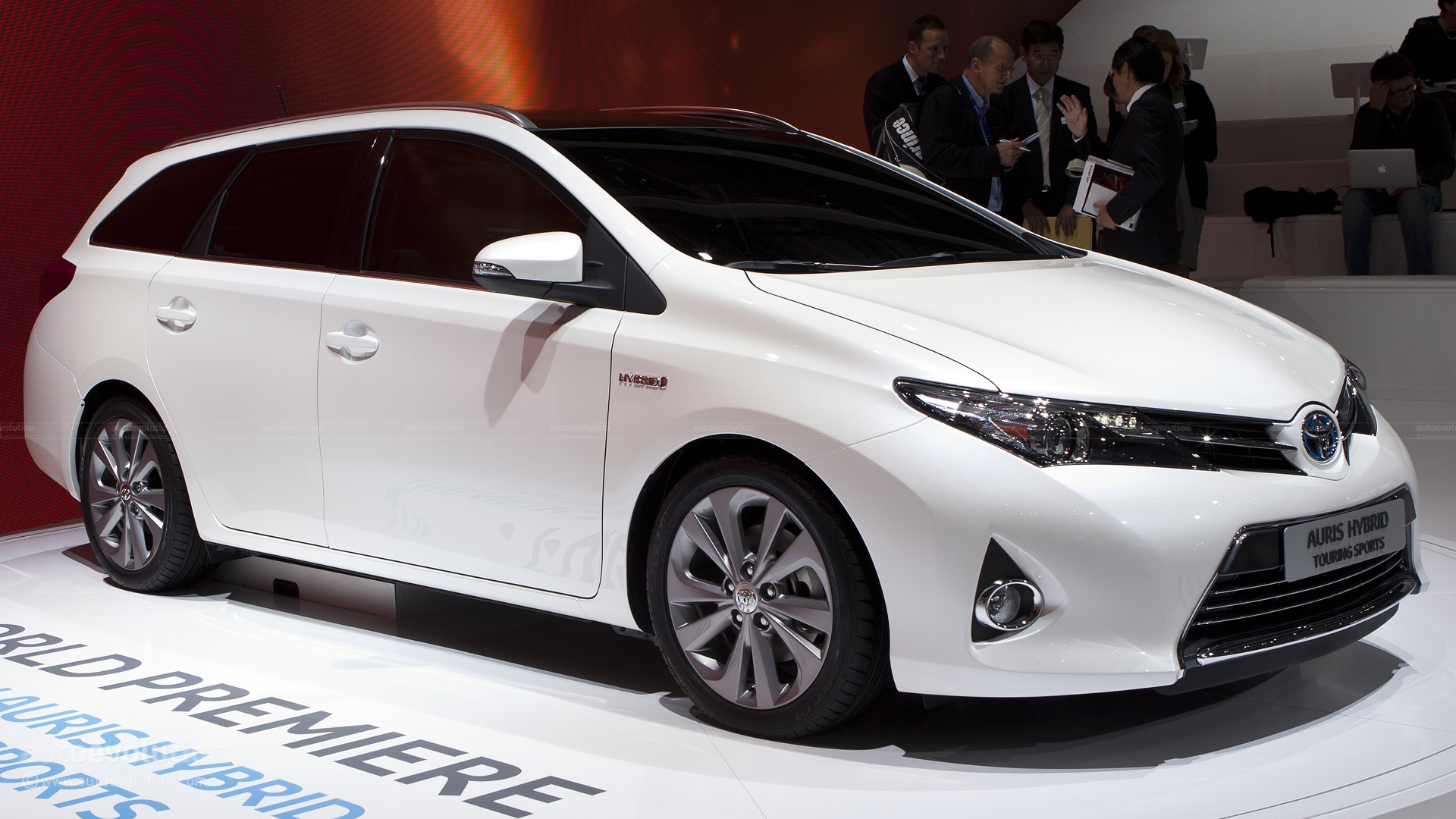 2013 toyota auris ii pictures information and specs auto. Black Bedroom Furniture Sets. Home Design Ideas