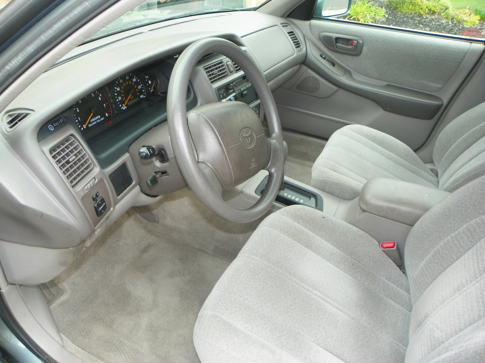 1998 toyota avalon pictures information and specs