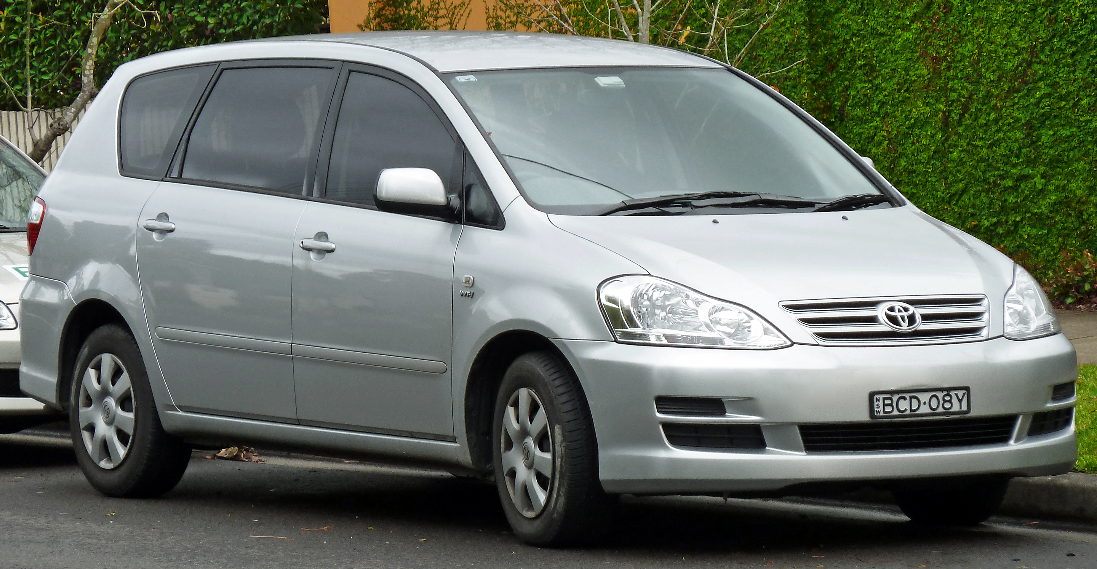 2002 Toyota Avensis Station Wagon Pictures Information