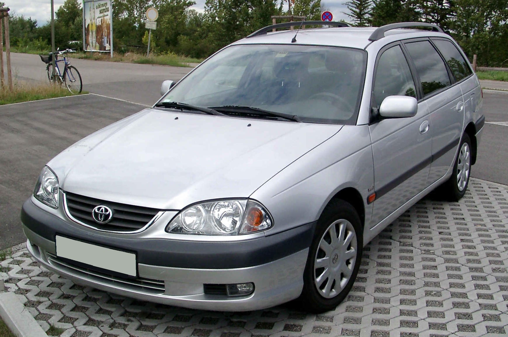 2002 toyota avensis t22 pictures information and specs auto. Black Bedroom Furniture Sets. Home Design Ideas