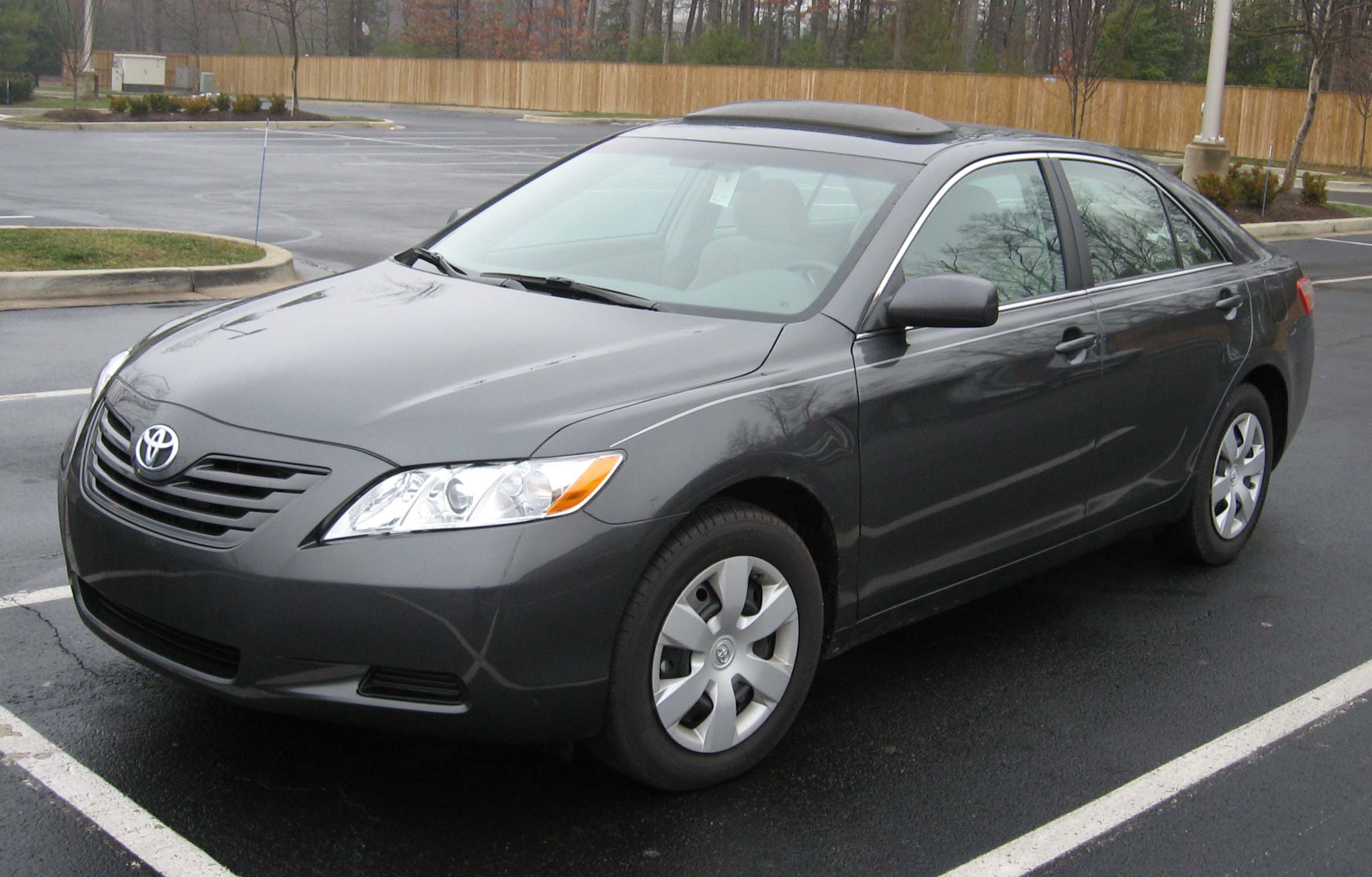 toyota camry year to year changes 2013 toyota camry price photos reviews features 2014 vs 2015. Black Bedroom Furniture Sets. Home Design Ideas
