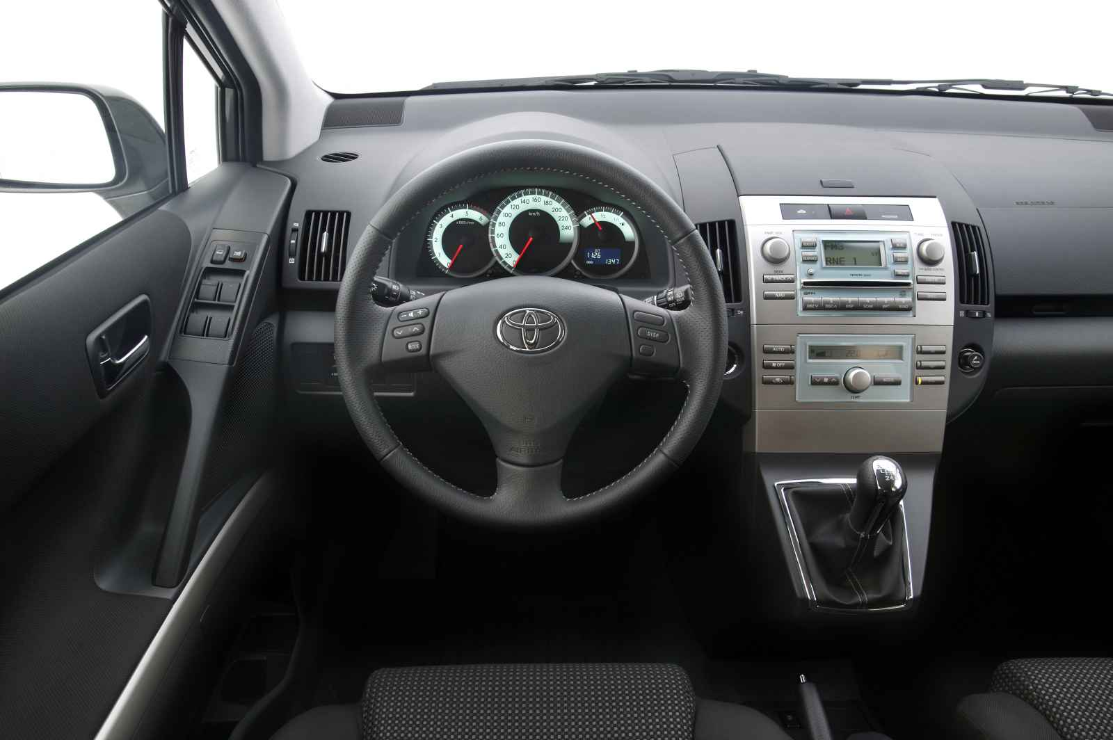 2005 toyota corolla verso pictures information and. Black Bedroom Furniture Sets. Home Design Ideas