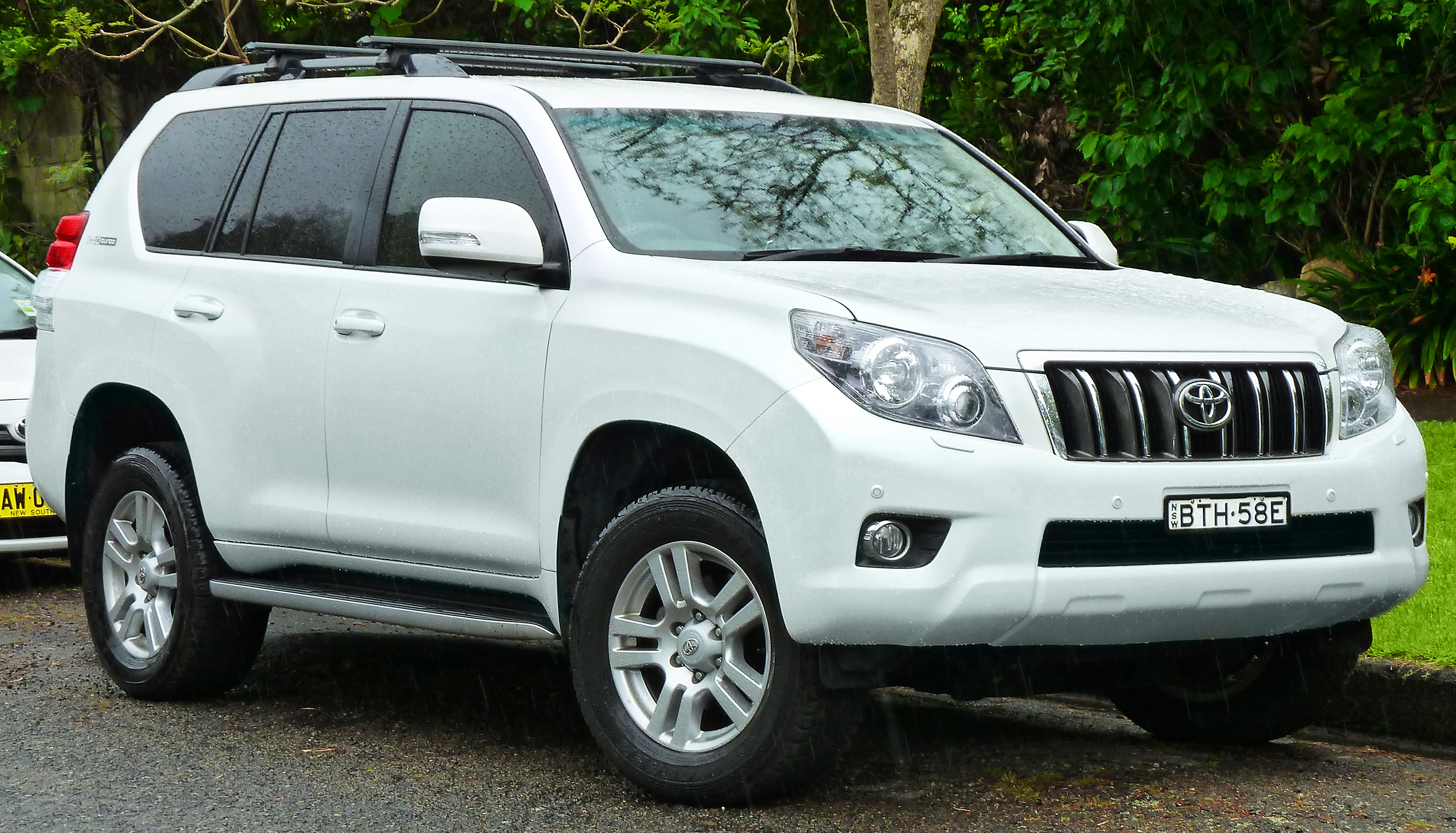 2013 toyota land cruiser prado j150 pictures information and specs auto. Black Bedroom Furniture Sets. Home Design Ideas