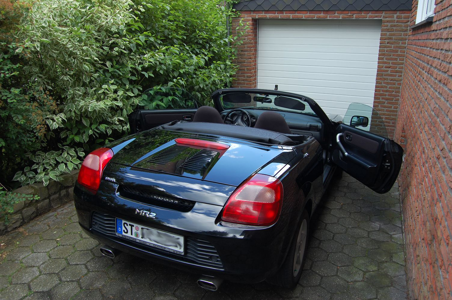2004 toyota mr 2 w3 pictures information and specs. Black Bedroom Furniture Sets. Home Design Ideas