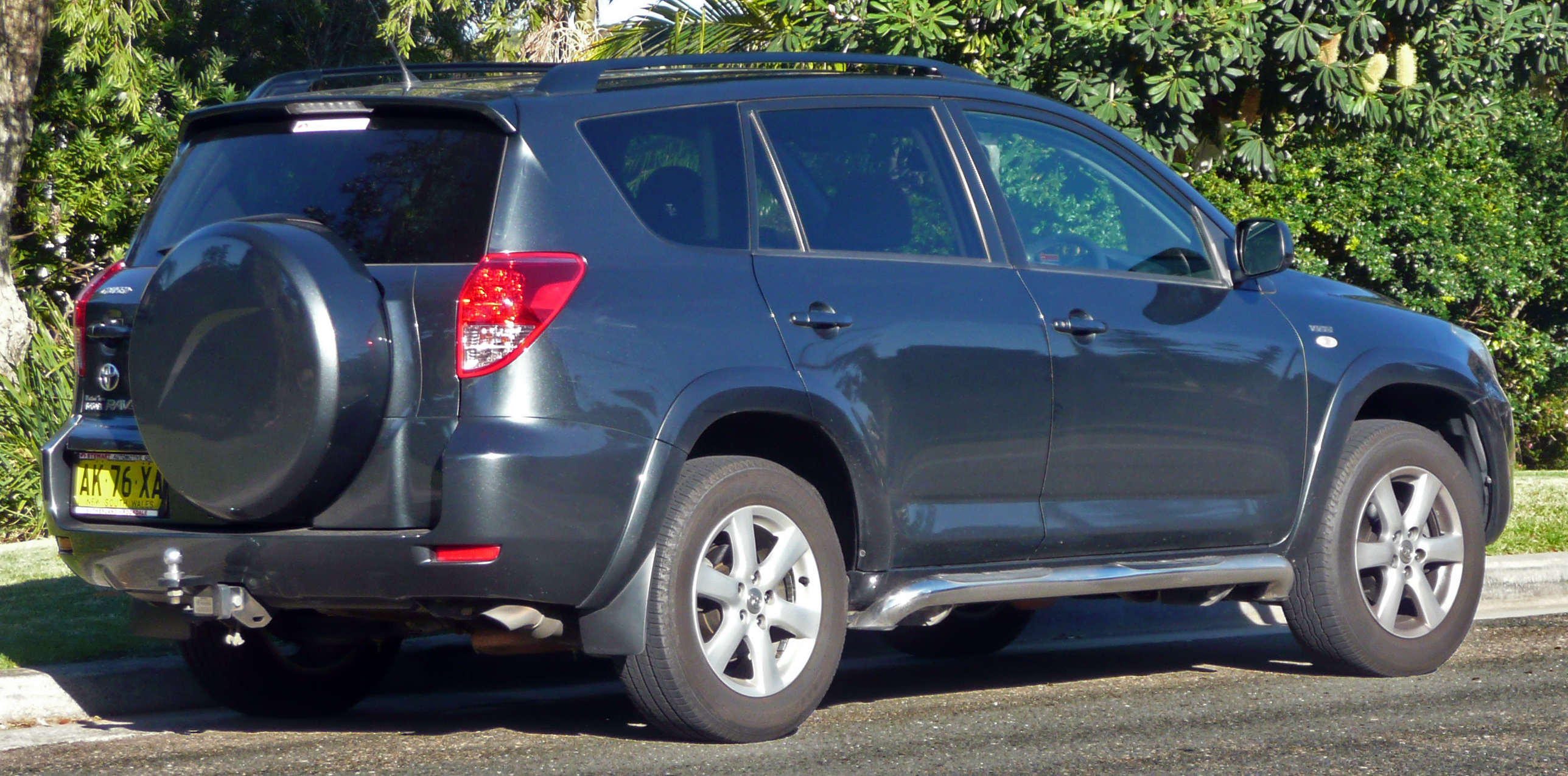 2006 toyota rav4 iii pictures information and specs auto. Black Bedroom Furniture Sets. Home Design Ideas