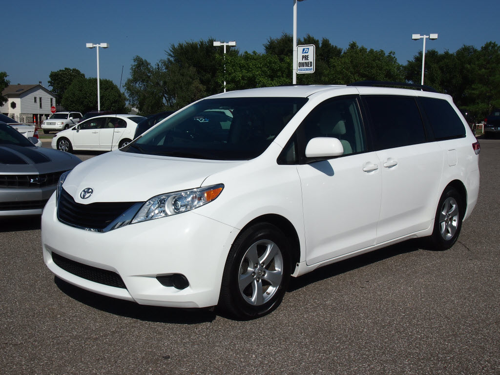 2012 toyota sienna iii pictures information and specs. Black Bedroom Furniture Sets. Home Design Ideas