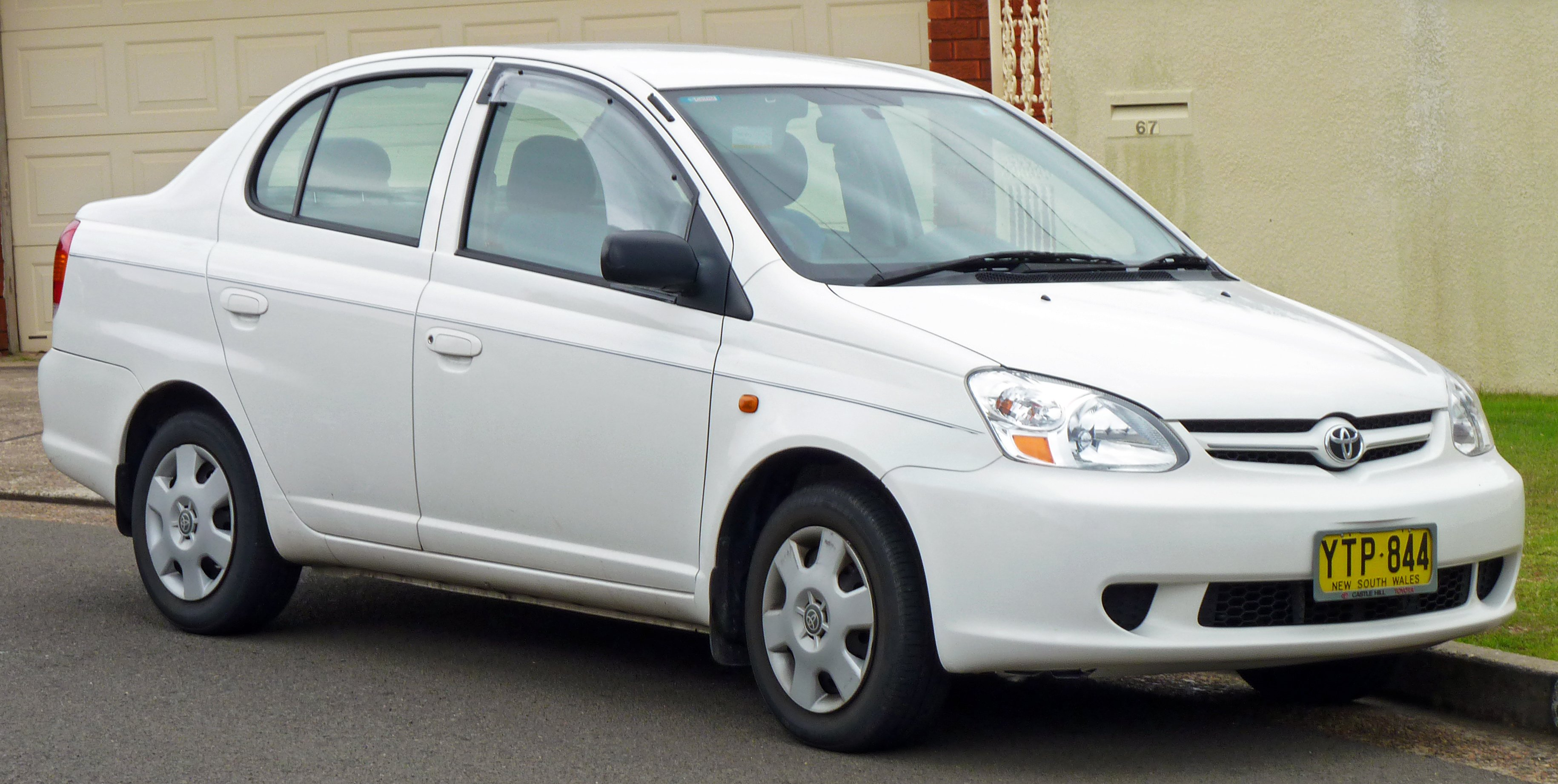 2002 toyota yaris verso p2 pictures information and specs auto. Black Bedroom Furniture Sets. Home Design Ideas