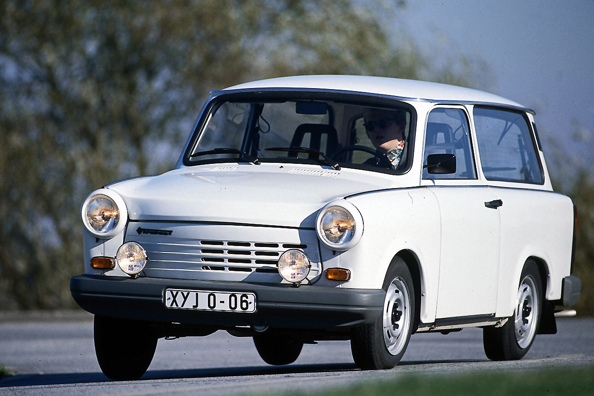 trabant 1.1 universal 1990 pictures