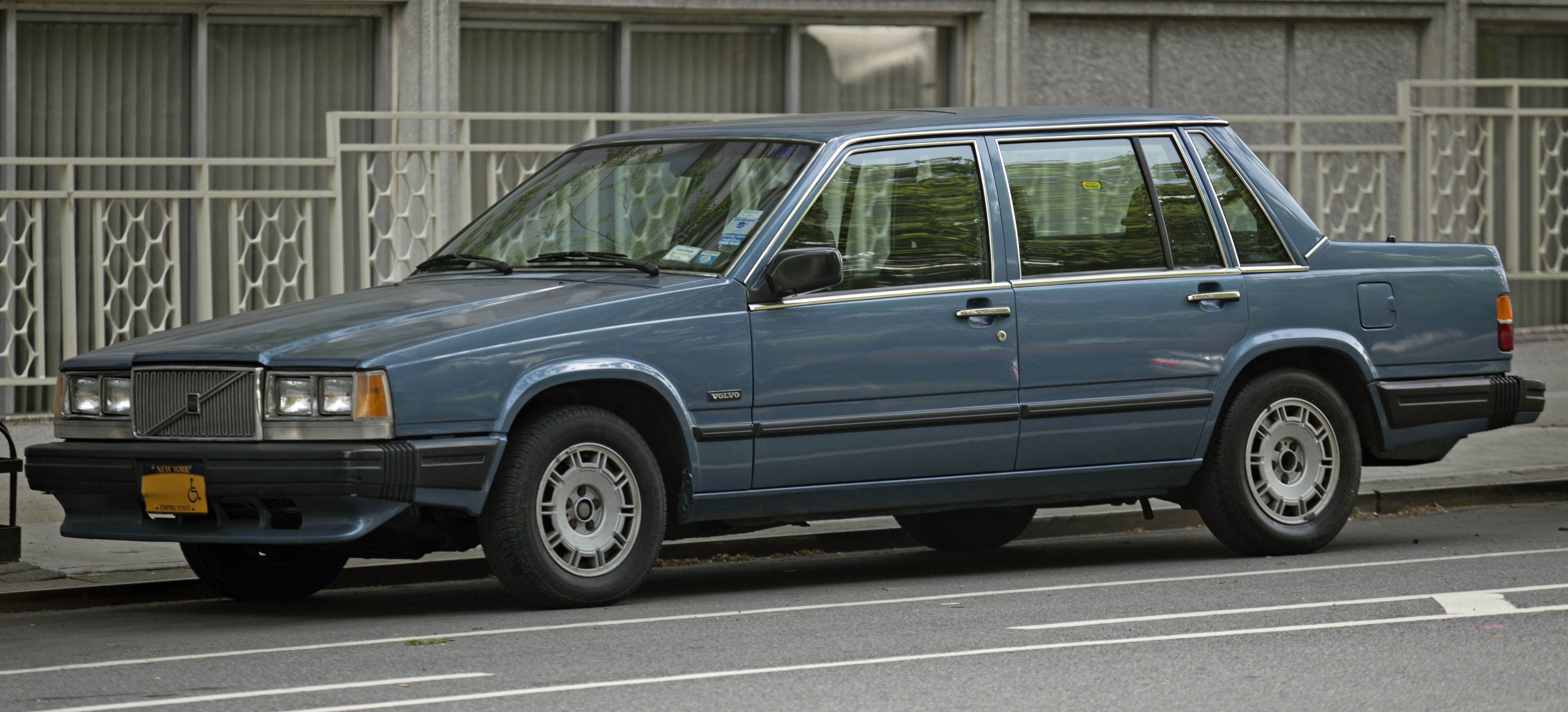 Volvo 740 Pictures Information And Specs Auto Databasecom