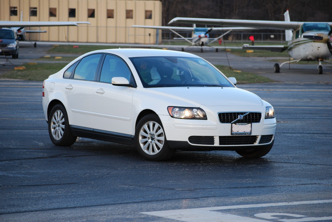 2005 volvo s40 t5 awd long term review motor trend autos post. Black Bedroom Furniture Sets. Home Design Ideas