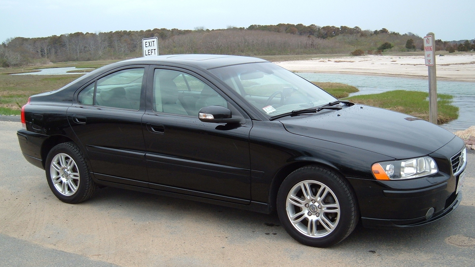 2005 Volvo S60 awd – pictures, information and specs - Auto-Database.com