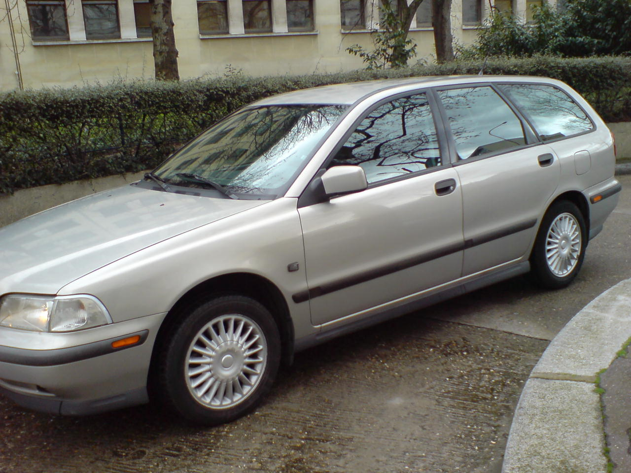 1999 volvo v70 ignition wiring diagram 1999 volvo v40 ndash pictures information and specs auto #13