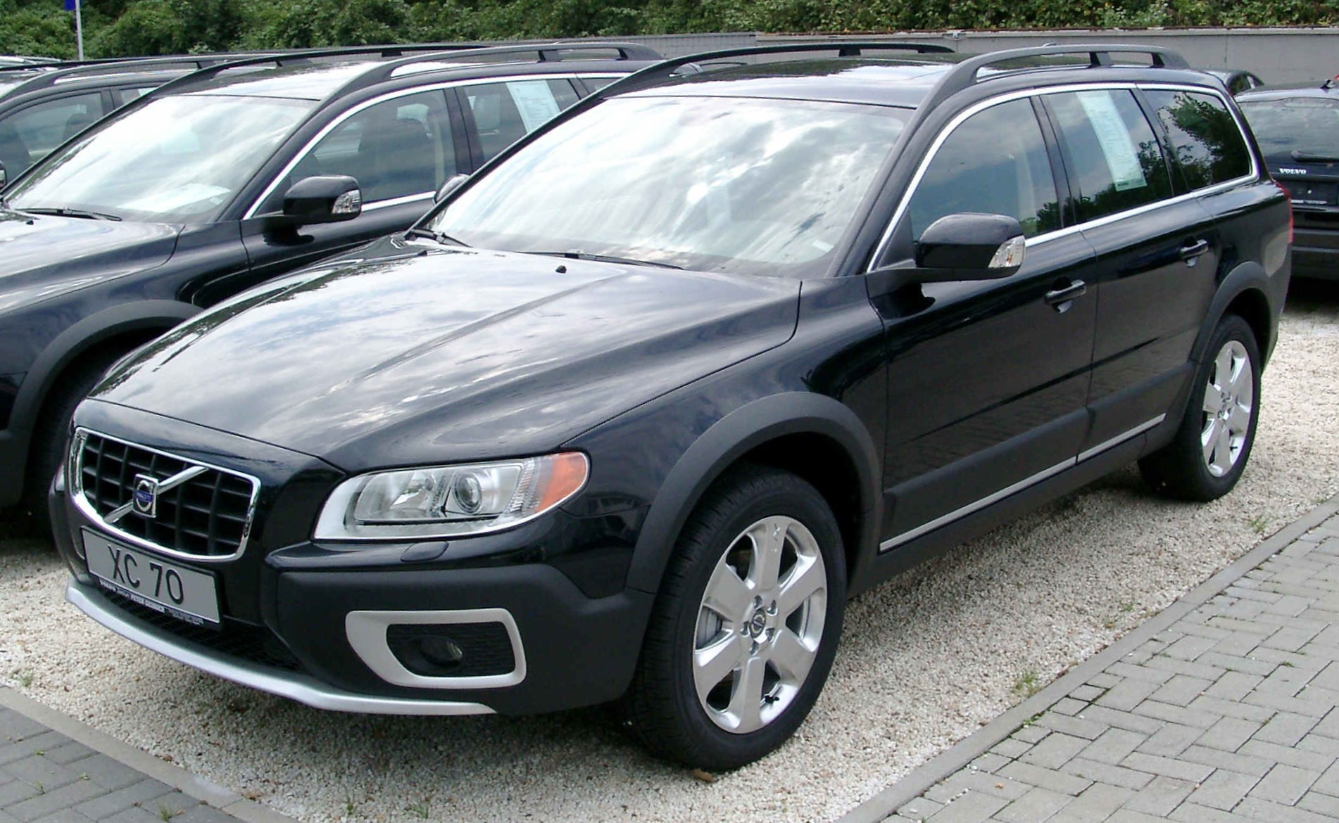 volvo xc70 wallpaper