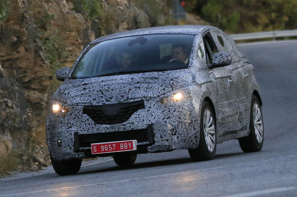 Leaked 2016 Renault Scenic's Spy Shots